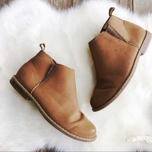 GAP Brown Ankle Booties Faux Suede Girls Size 2